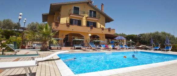 bb-la-collinetta-piscina-7